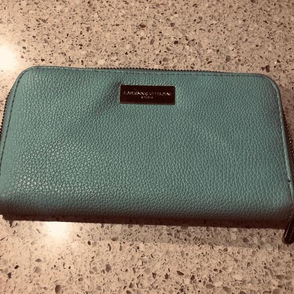 Adrienne Vittadini Handbags - ADRIENNE VITTADINI ZIP LEATHER WALLET 15 cc slots